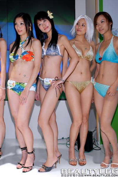 《doa2》美女真人泳装秀图