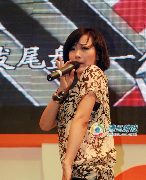 chinajoy美女:劲歌热舞vs猫耳水手装