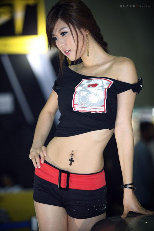 韩国三大性感美女游戏代言风采展示
